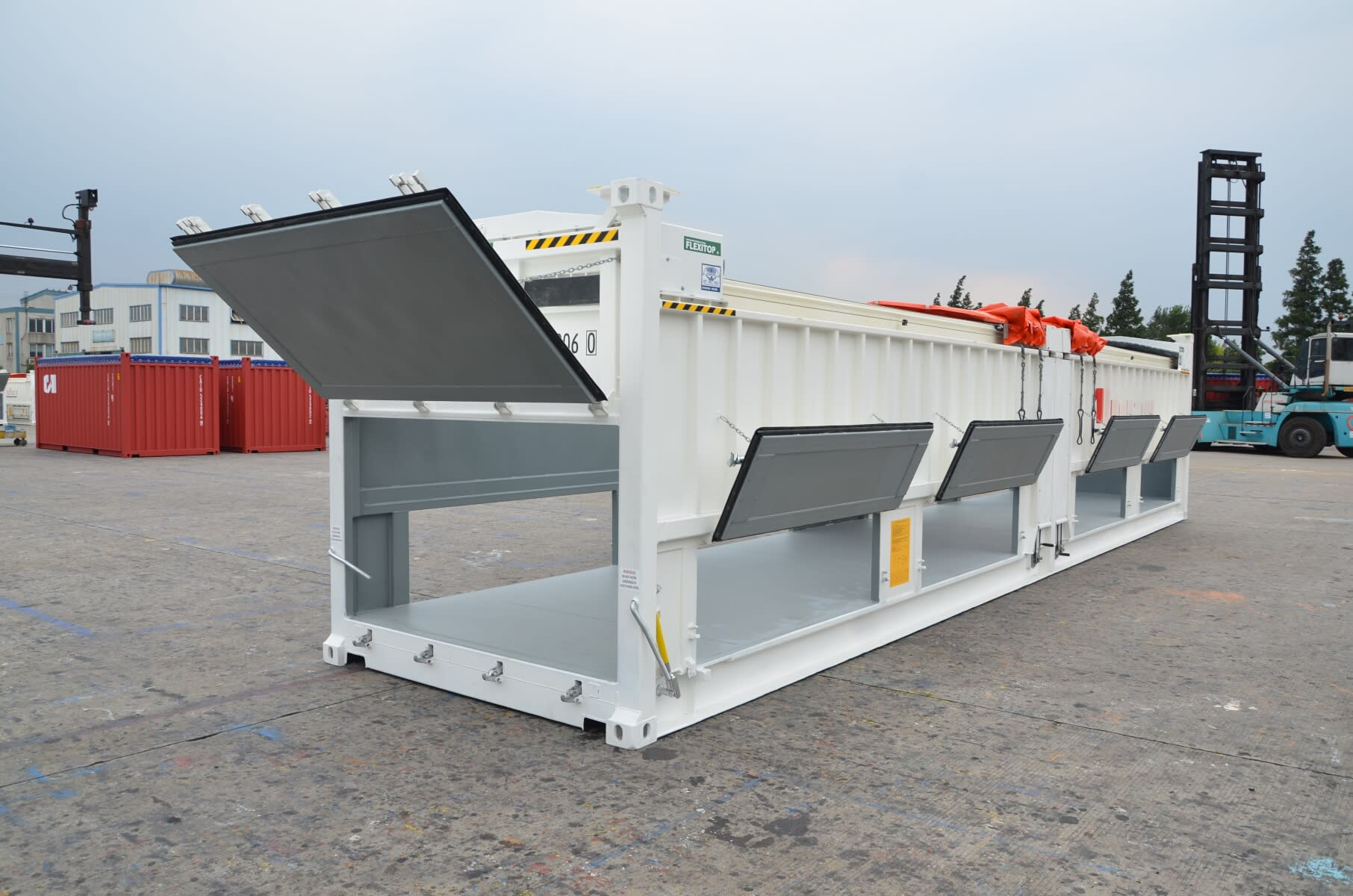 vertical container with open flaps